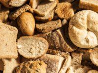 Ricette anti-spreco: torte dolci e salate col pane raffermo